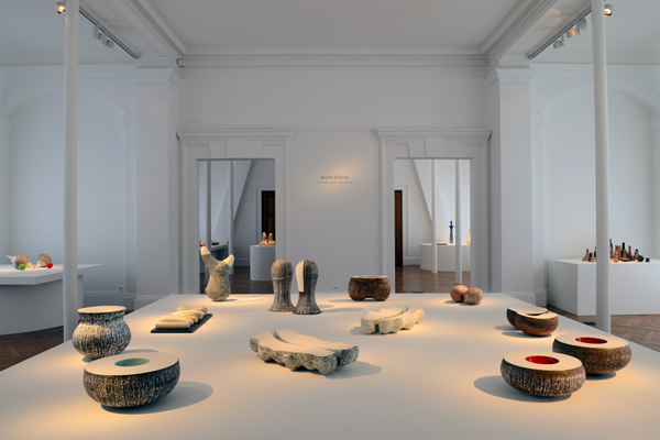Vue de l'exposition de Kristin McKirdy -  Manufacture de Sèvres - 2012/2013